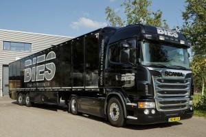 MARUM / 4-9-2012 / Bies Draai- en Freeswerk. De bedrijfs vrachtwagen  / Foto: Omke Oudeman